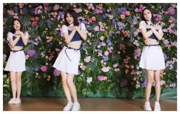 Hội bạn thân siêu giàu và xinh đẹp của con gái ông trùm Huawei - Ảnh 3.