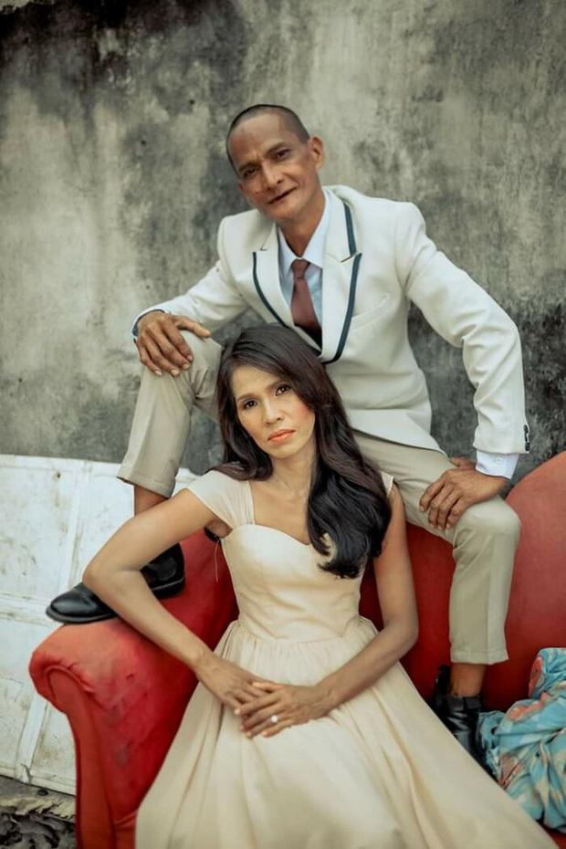 Được nhà hảo tâm giúp đỡ, cặp đôi U60 nghèo nhặt ve chai quay ngoắt 180 độ với bộ ảnh cưới đậm chất fashionista, ai xem cũng trố mắt - Ảnh 4.