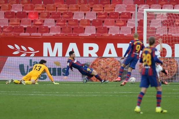Messi tỏa sáng rực rỡ, Barcelona tạm chiếm giữ vị trí của đại kình địch Real - Ảnh 5.
