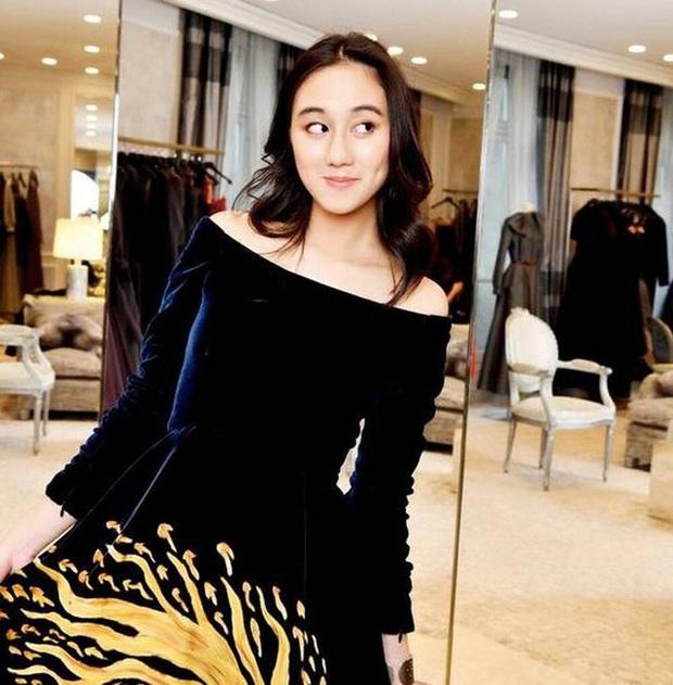 Hội bạn thân siêu giàu và xinh đẹp của con gái ông trùm Huawei - Ảnh 6.