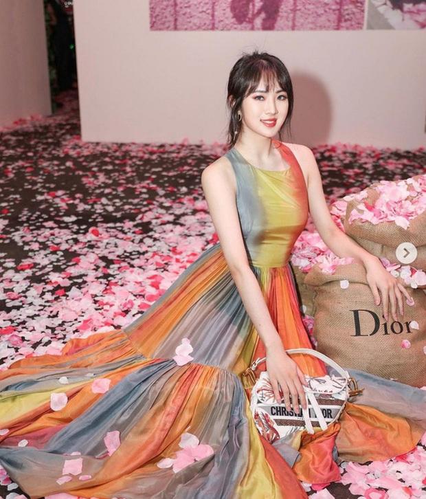 Hội bạn thân siêu giàu và xinh đẹp của con gái ông trùm Huawei - Ảnh 8.