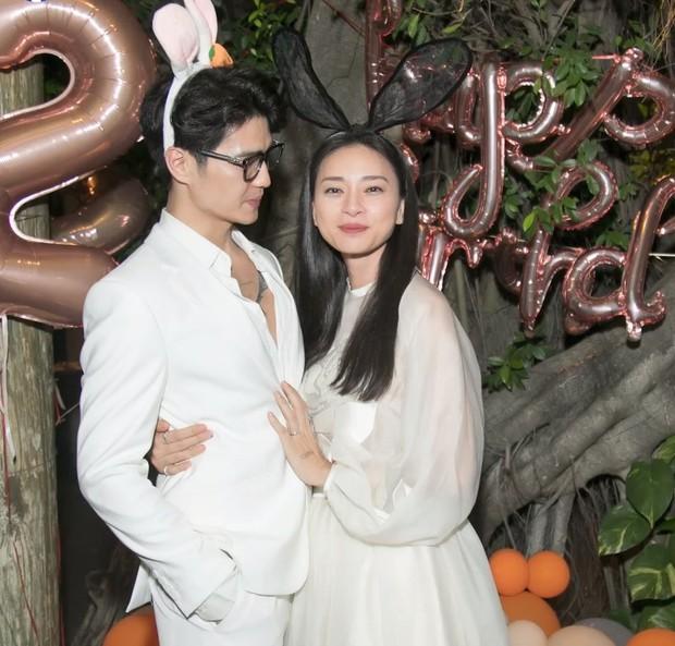 Toàn cảnh tiệc sinh nhật của Ngô Thanh Vân: Nàng ôm chặt eo Huy Trần, khóc nức nở bày tỏ Tôi có Huy, tôi rất hạnh phúc! - Ảnh 3.