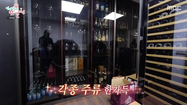 Bi Rain lần đầu hé lộ tổ ấm trăm tỷ với Kim Tae Hee: Tầng 1 rộng bao la chỉ để tập gym, góc giải thưởng khủng chiếm spotlight - Ảnh 6.