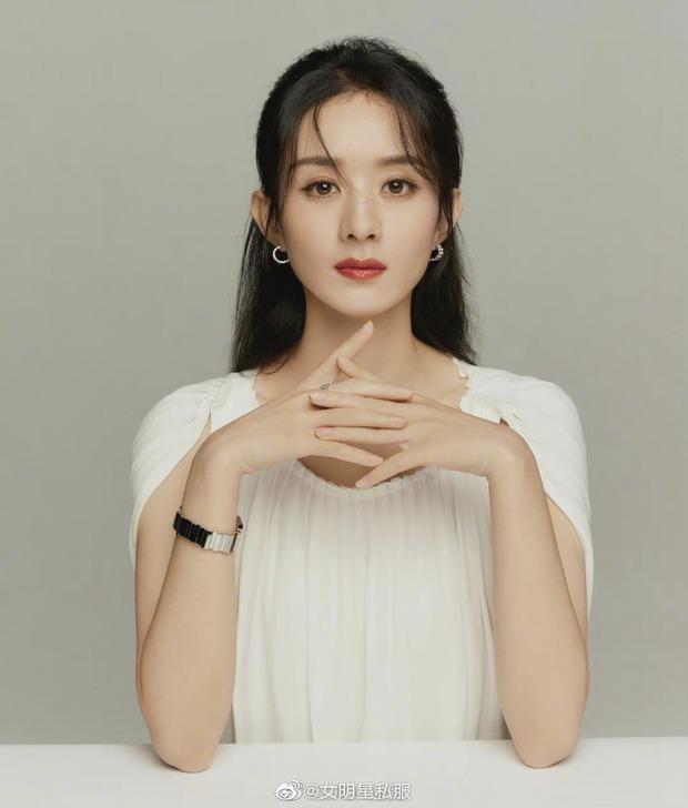 Triệu Lệ Dĩnh thành đại sứ trang sức của Dior Trung Quốc nhưng lại bị bàn tán vì trông như cosplay Dương Mịch - Ảnh 2.