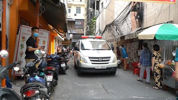 TP.HCM: Cách ly 4 người ở chung cư trên phố Bùi Viện, từng ngồi cùng quán cafe với công chứng viên mắc Covid-19 - Ảnh 1.