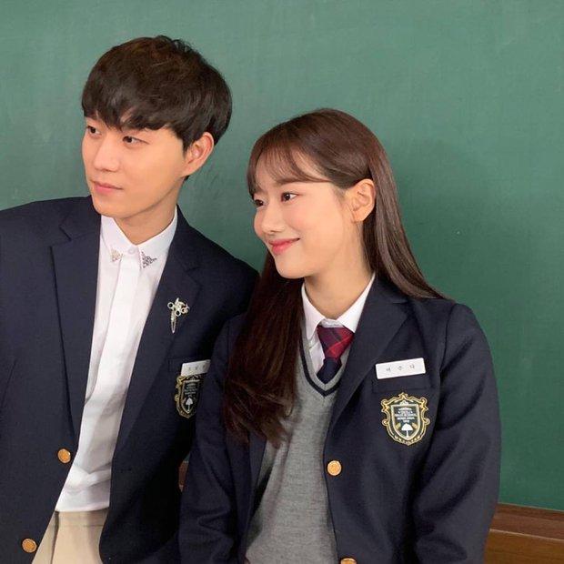Dàn mỹ nhân Kpop đẹp nhất ngoài đời: Yoona - Tzuyu đẹp thì đẹp đấy nhưng choáng nhất là BLACKPINK và làn da của Wendy - Ảnh 32.