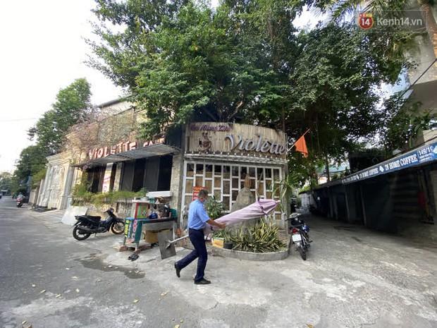 Cận cảnh quán cafe, quán ăn và tiệm massage ở Sài Gòn bị phong toả vì công chứng viên mắc Covid-19 từng ghé qua - Ảnh 5.
