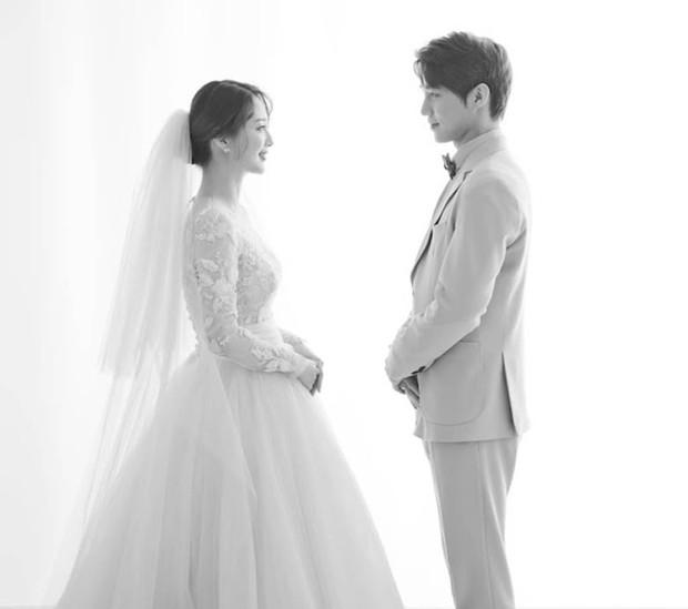 Cựu idol Kpop kể chuyện hẹn hò như phim kinh dị: Để bạn gái chui vào vali, rùng mình chi tiết về mái tóc - Ảnh 6.