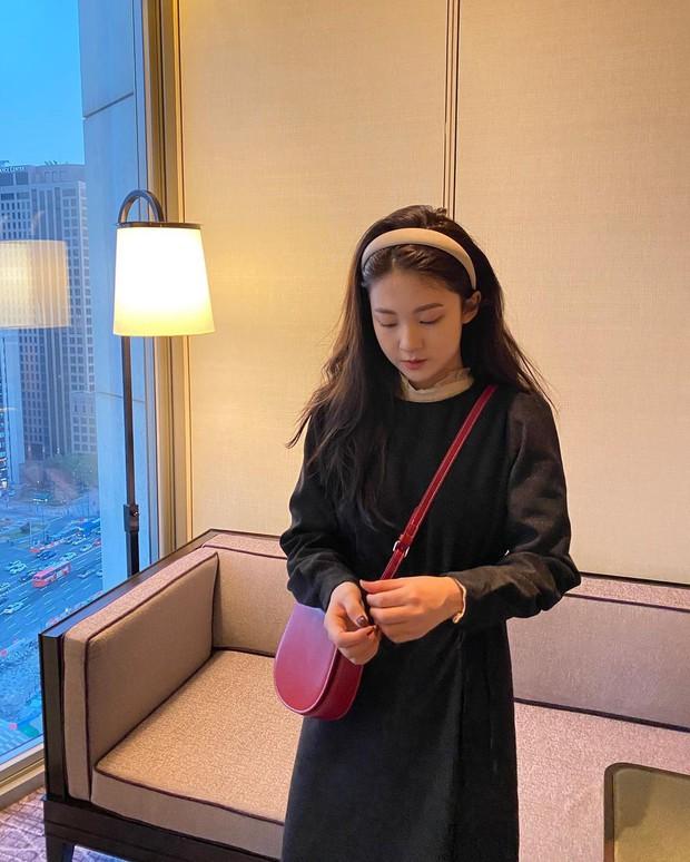 Diện váy theo những công thức chuẩn Hàn này là suốt mấy ngày Tết bạn sẽ đều có outfit đẹp để du xuân - Ảnh 7.