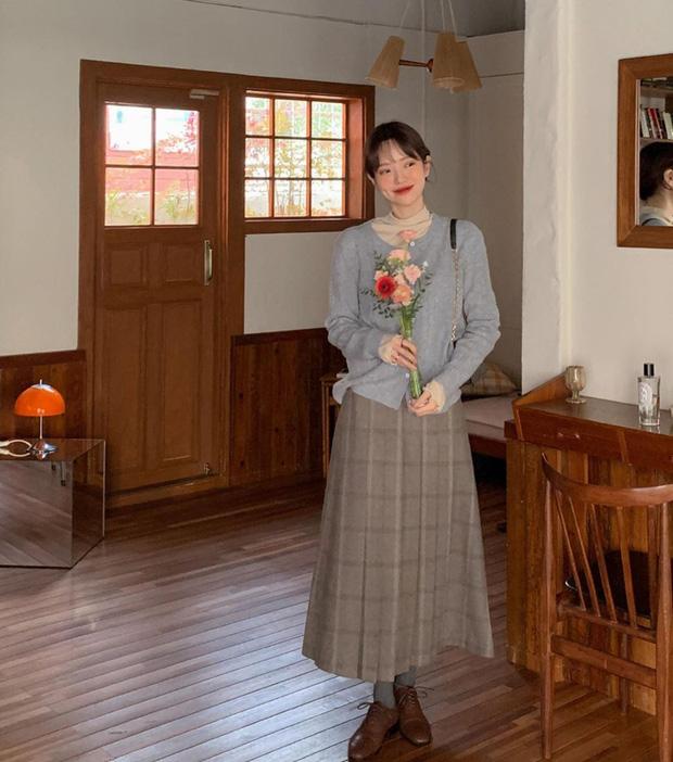 Diện váy theo những công thức chuẩn Hàn này là suốt mấy ngày Tết bạn sẽ đều có outfit đẹp để du xuân - Ảnh 5.