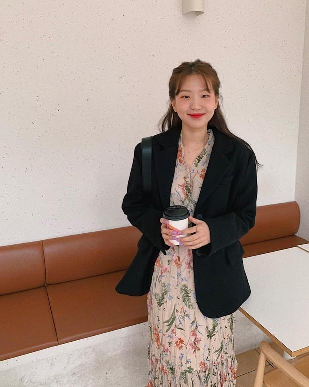Diện váy theo những công thức chuẩn Hàn này là suốt mấy ngày Tết bạn sẽ đều có outfit đẹp để du xuân - Ảnh 3.