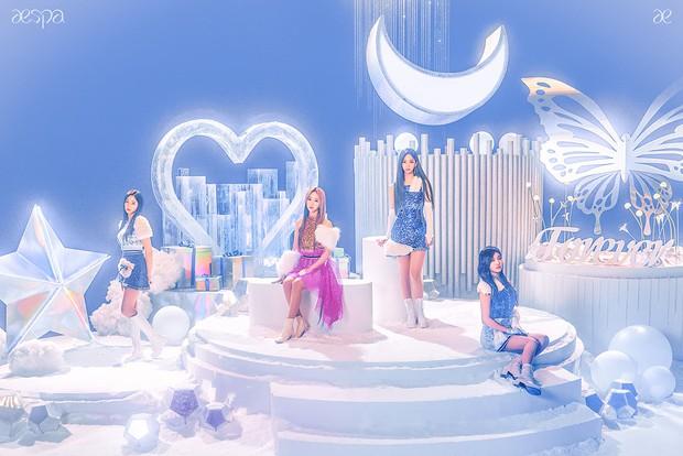 Từ MV Halloween ra trễ cả tháng của Red Velvet đến MV Giáng sinh của aespa ra mắt dịp Tết mới thấy SM sống ở chiều không gian khác! - Ảnh 7.