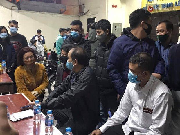 """Vụ cháy khiến 4 người tử vong ở Hà Nội, người thân chết lặng tại nhà tang lễ: """"Nhà nó chỉ có 2 anh em duy nhất thôi, ai ngờ giờ xảy ra cơ sự đau lòng như vậy"""" - Ảnh 6."""