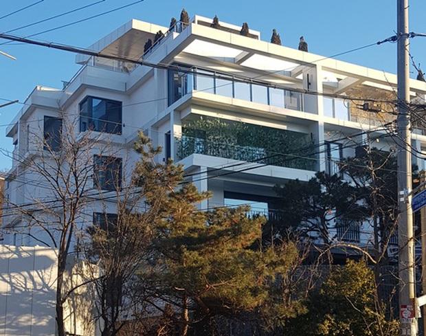 Hyun Bin chối chuyện mua penthouse trăm tỷ để kết hôn, netizen bắt bài ngay nhờ 1 chi tiết liên quan đến Son Ye Jin - Ảnh 4.