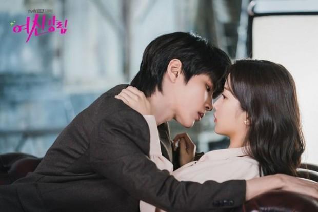 5 câu hỏi cần gấp đáp án ở tập cuối True Beauty: Moon Ga Young ngó lơ nam chính, về bên nam phụ bad boy? - Ảnh 3.