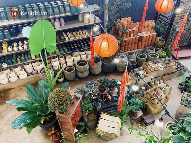 Mình đã tìm được 1 tiệm bán bình hoa siêu xinh mà giá lại rẻ ở Sài Gòn: Tết này tha hồ mà cắm mai đào! - Ảnh 2.