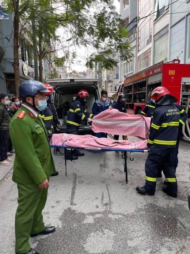 Hà Nội: 4 sinh viên tử vong do đốt vàng mã ngày ông Công ông Táo - Ảnh 1.