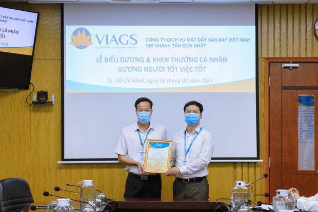 Nhân viên Vietnam Airlines phát hiện và trả lại gần 260 triệu đồng cho hành khách để quên trên máy bay - Ảnh 1.