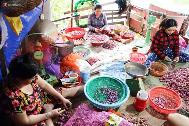 Có một xóm cay mắt của người miền Tây giữa lòng Sài Gòn: Tụi tui tính về quê mà không đủ tiền, Tết này ở đây thôi - Ảnh 7.