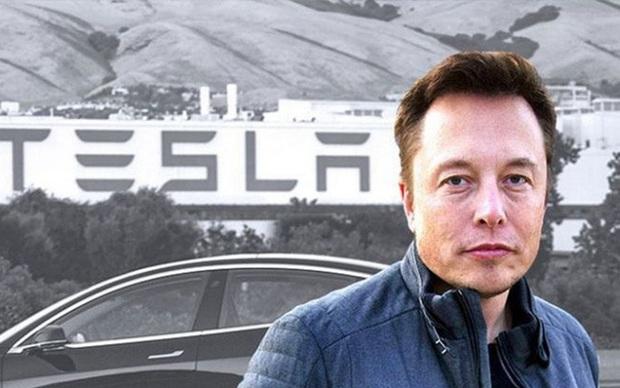 Bạo phát bạo tàn, Elon Musk đang mất tiền với tốc độ khủng khiếp - Ảnh 2.