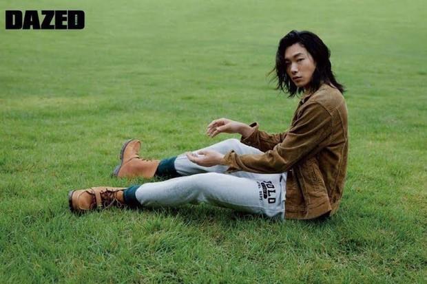 5 sao nam lột xác visual nhờ để... tóc dài: Jungkook - Lee Dong Wook đẹp như tiên tử, đến Lee Jong Suk lại muốn ngã ngửa - Ảnh 20.