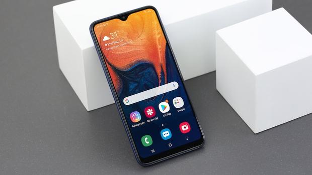 Mua smartphone giá rẻ dưới 3 triệu ngày cận Tết, đây đều là những lựa chọn thuộc hàng đỉnh của chóp - Ảnh 1.