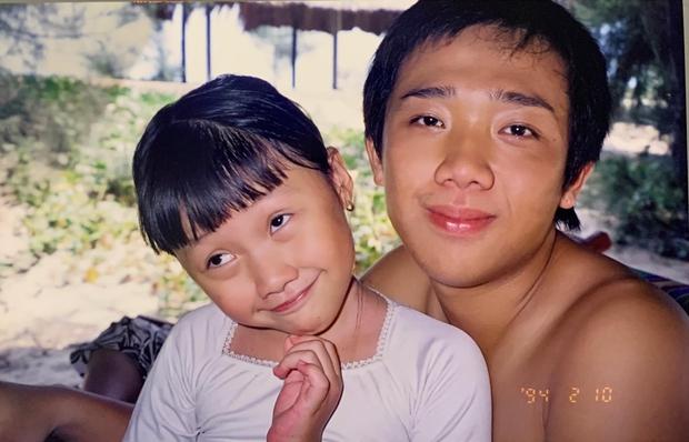 Em gái Trấn Thành tung ảnh hiếm chúc mừng sinh nhật anh trai, ai ngờ chiếm luôn spotlight của nhân vật chính - Ảnh 1.