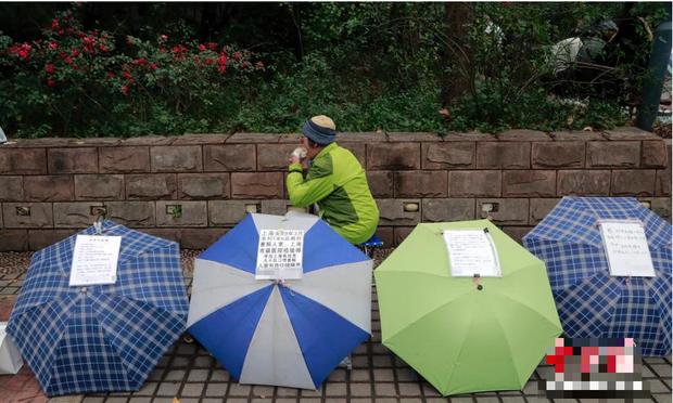 Thâm nhập hội chợ xem mắt tập thể của giới trẻ Trung Quốc: Mặc cả nhiệt tình, yêu cầu cao siêu và cái khó của những thanh niên 3 không - Ảnh 8.