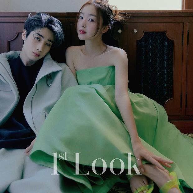 Tìm ra cặp chị em idol cực phẩm mới của Kpop: Chị là nữ thần gen 2, em trai body xịt máu mũi, bộ ảnh chung lại gây bão MXH - Ảnh 4.