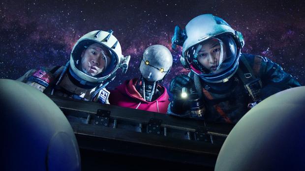 Space Sweepers: Hình ảnh mãn nhãn, Song Joong Ki diễn cực đỉnh nhưng kịch bản lê thê ru ngủ cả người xem - Ảnh 2.
