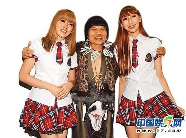 Cuộc sống giàu sang của nam phụ xấu nhất lịch sử phim Châu Tinh Trì: Gia tài bạc tỷ, đi siêu xe thưởng Tết cho nhân viên - Ảnh 4.