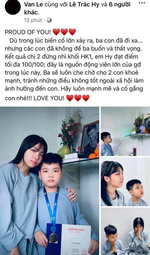 Vợ cũ Vân Quang Long hé lộ kết quả học tập khủng của 2 con, hình ảnh bé út cầm giấy khen trước bàn thờ bố khiến dàn sao Việt xúc động - Ảnh 2.
