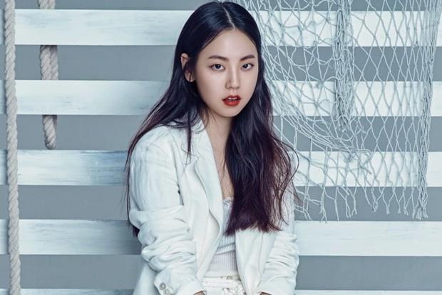 Em út huyền thoại của JYP: Nổi nhờ 1 câu hát, cân trọn mọi concept, đã giải nghệ nhưng là tiêu chuẩn cho đàn em TWICE, ITZY - Ảnh 13.