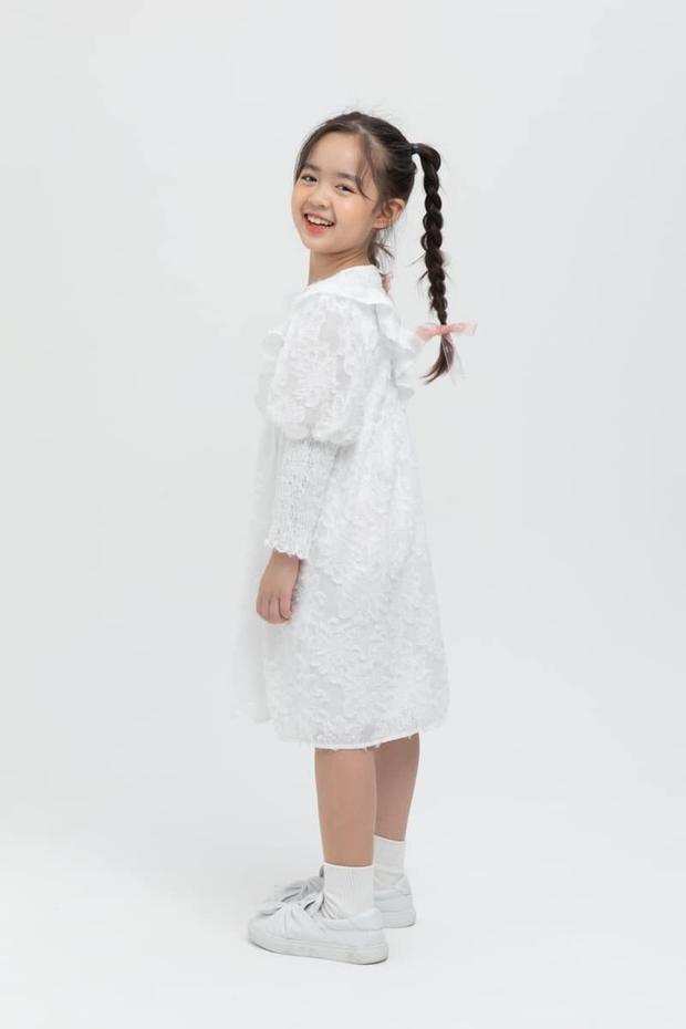 Bé Rồng Nhã Uyên: Từ cô bé giúp mẹ nuôi tìm bạn trai ở Người Ấy Là Ai đến Quán quân Model Kid Vietnam - Ảnh 7.
