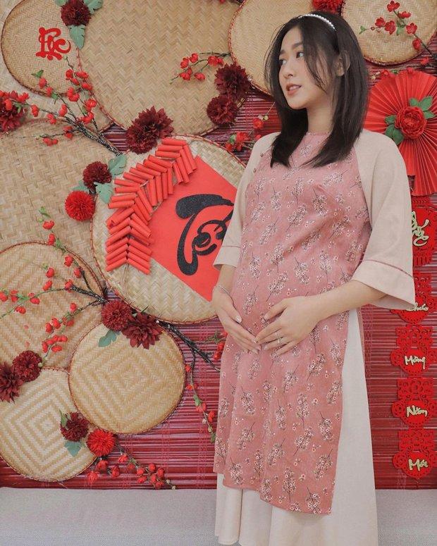 1001 sắc thái áo dài của mỹ nhân Việt ngày cận Tết, từ cách tân mới mẻ đến truyền thống đều có đủ - Ảnh 10.