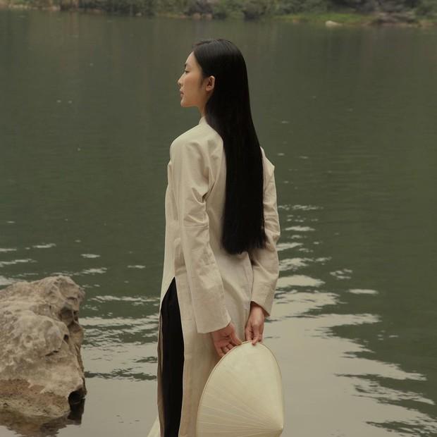 1001 sắc thái áo dài của mỹ nhân Việt ngày cận Tết, từ cách tân mới mẻ đến truyền thống đều có đủ - Ảnh 8.