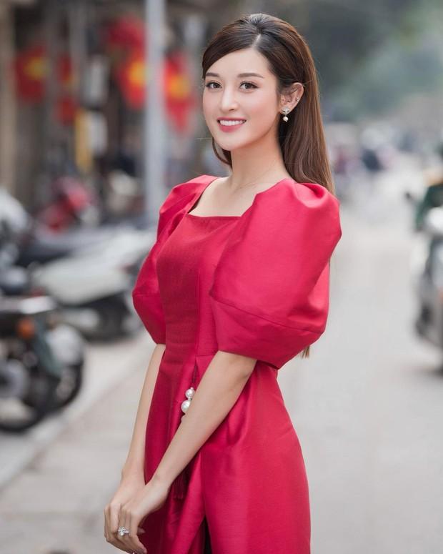 1001 sắc thái áo dài của mỹ nhân Việt ngày cận Tết, từ cách tân mới mẻ đến truyền thống đều có đủ - Ảnh 4.