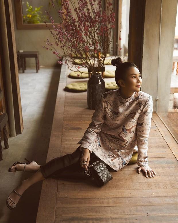 1001 sắc thái áo dài của mỹ nhân Việt ngày cận Tết, từ cách tân mới mẻ đến truyền thống đều có đủ - Ảnh 1.
