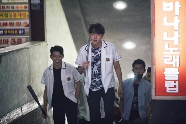 Ban biên tập khét tiếng xứ Hàn tổng kết phim ảnh 2020: Đôi Hyun Bin - Son Ye Jin hụt giải quan trọng, Park Bo Gum gây thất vọng - Ảnh 13.