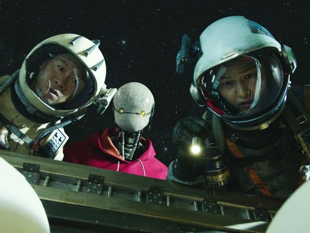 6 lý do lọt hố bom tấn Space Sweepers: Song Joong Ki đối đầu chú đại The Hobbit, robot Yoo Hae Jin xịn thôi rồi - Ảnh 4.