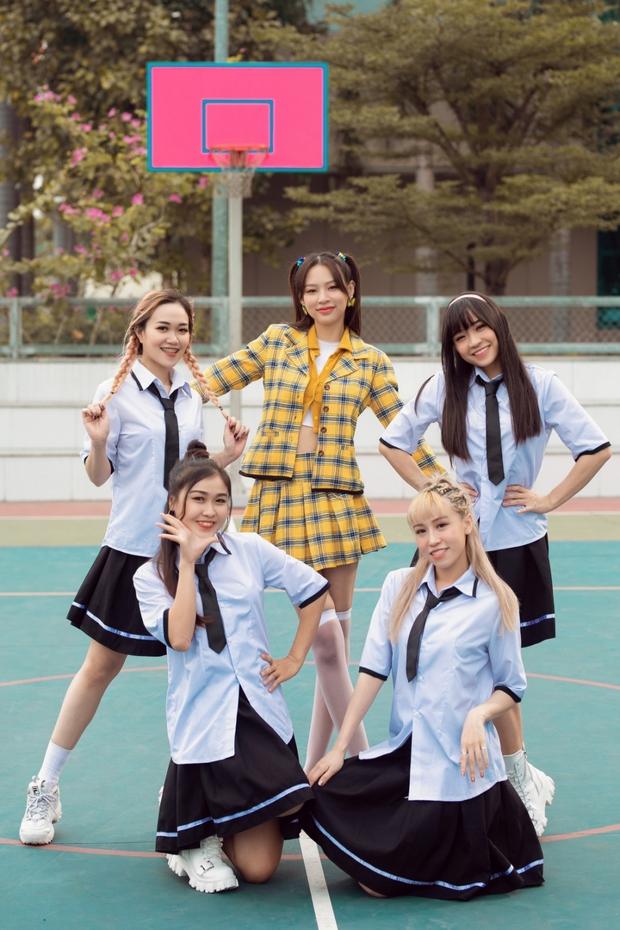Hoá ra Phí Phương Anh chỉ mượn ViruSs để tạo nét, MV thứ 2 tự tin gọi mình là dancing queen nhưng nhìn đâu cũng thấy mượn Kpop! - Ảnh 3.