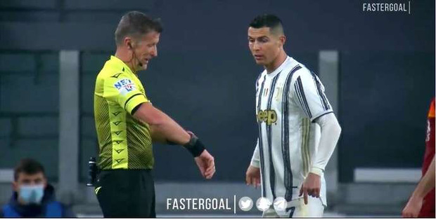 Bật cười với hình ảnh Ronaldo đòi xem đồng hồ của trọng tài khi bị từ chối bàn thắng - Ảnh 2.