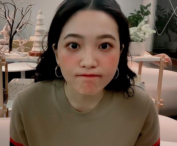 Từng ăn gạch bắt chước Jennie (BLACKPINK) và hở bạo, em út Red Velvet bỗng khiến Knet quay xe vì... quá xinh - Ảnh 6.