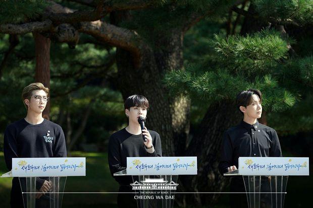 Knet khó tính cũng phải công nhận Nhà Xanh là... masternim đỉnh nhất Kpop, nhìn ảnh chụp nữ thần Yoona - Suzy, BTS và cả dàn idol là đủ hiểu! - Ảnh 6.