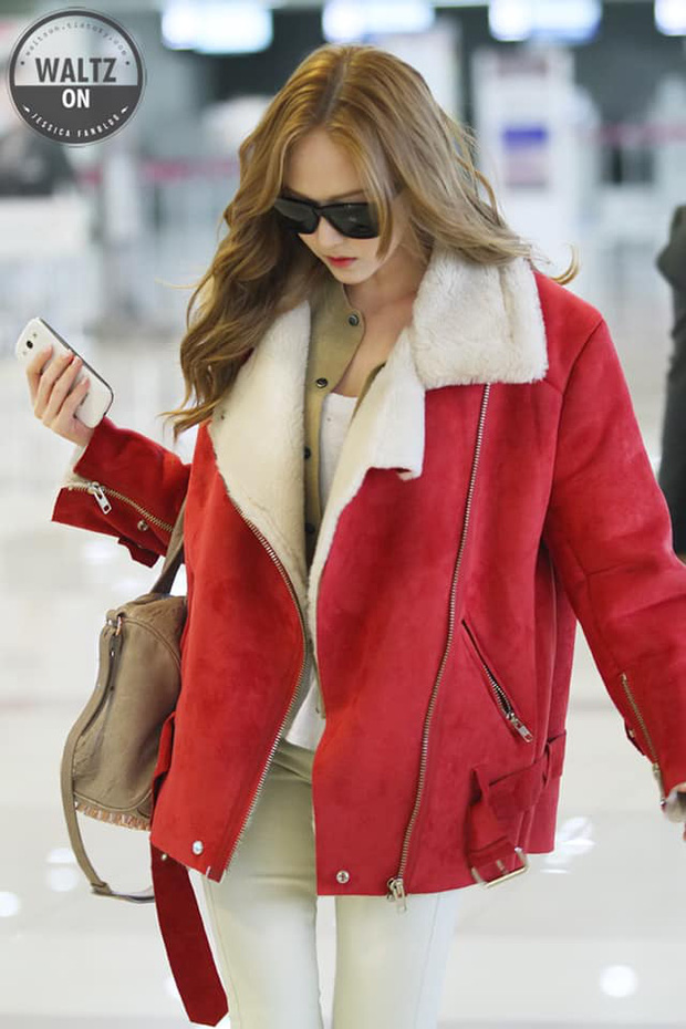 Tìm cả Kbiz, đố ai qua được thời trang sân bay của Jessica: Gần chục năm nhìn lại vẫn trendy như mới hôm qua - Ảnh 1.