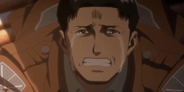 9 màn hi sinh xé lòng ở anime Attack on Titan: Mẹ nam chính bị vợ cũ của chồng nuốt chửng, thành viên cộm cán bị bắn chết vô lý! - Ảnh 8.