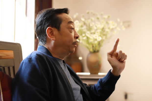 Cuộc đời NSND Hoàng Dũng: Cựu giám đốc Nhà hát Kịch với gia tài điện ảnh khuynh đảo Vbiz, về nhà lại thành ông bố giản dị hy sinh vì vợ con - Ảnh 9.