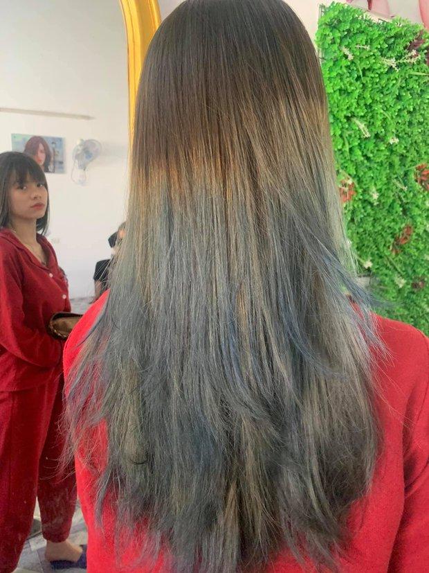 Góc trầm cảm vì nhuộm tóc: Order tóc xám khói, cô nàng này nhận ngay được bộ tóc vệt nắng cuối trời - Ảnh 2.