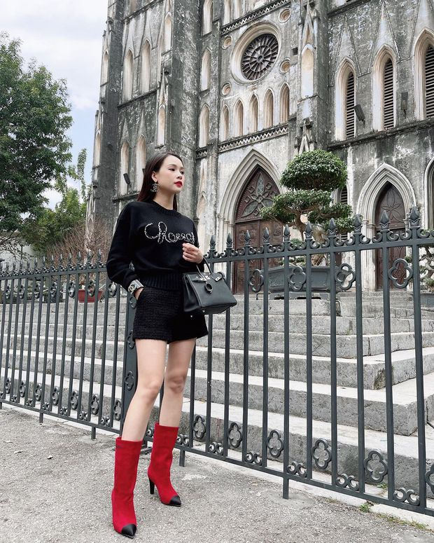 """Instagram look của sao Việt ngày cận Tết: Kỳ Duyên lên đồ """"chất chơi"""", Xoài Non diện váy xẻ cao hiểm hóc - Ảnh 8."""