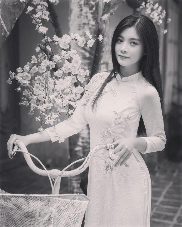 Dàn gái xinh rủ nhau đổi mood dịu dàng đón Tết: Gì thì gì, con gái Việt mặc áo dài vẫn là đẹp nhất! - Ảnh 7.